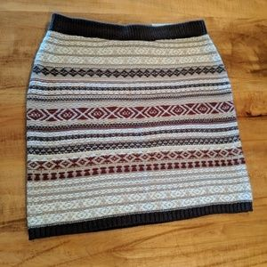 Maurice's tribal print sweater skirt new size med
